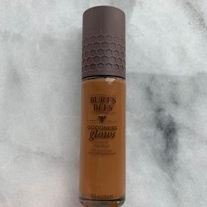 Burt's Bees Goodness Glows Foundation in Cocoa